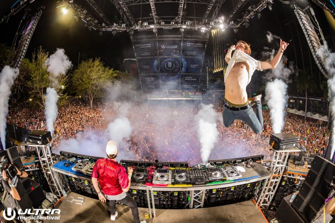 The Chainsmokers — Live @ Ultra Music Festival 2016